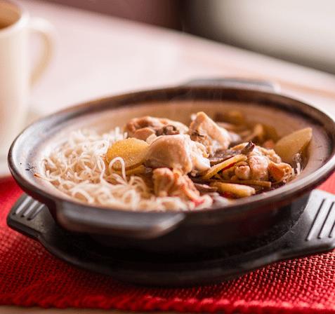 金牌沙鍋雞湯米