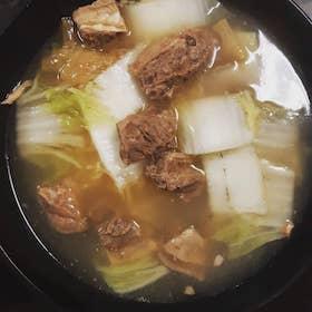 牛腩湯拉麵